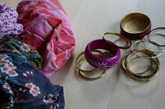 This idea is amazing - turn old bracelets and yucky old t-shirts or quilting scraps into fabric bracelets.