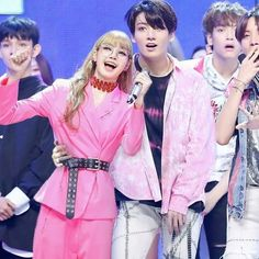 to owner I dunno what to say Kpop Couples, Cute Couples, South Korean Girls, Korean Girl Groups, Blackpink And Bts, Korean Couple, Jennie Blackpink, Bts Taehyung, Jimin
