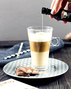 Latte Macchiato mit Baileys