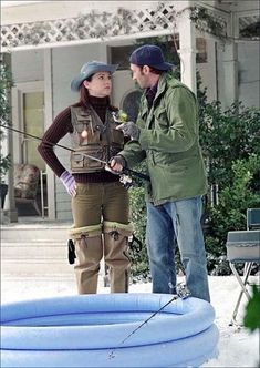 Lauren Graham and Scott Patterson in Gilmore Girls Gilmore Girls Cast, Luke And Lorelai, Scott Patterson, Team Logan, Lauren Graham, Girl Pictures, Military Jacket, Tv Shows, Actresses