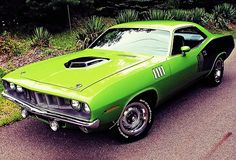 1971 Plymouth 'Cuda 340. Oooh, Barracuda! *plays air guitar*