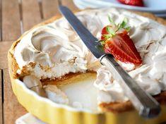 Pie Cake, No Bake Cake, Sweets Cake, Cupcake Cakes, Cupcakes, No Cook Desserts, Dessert Recipes, Sweet Bakery, Rhubarb Recipes