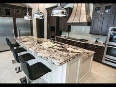 Ways To Choose New Cooking Area Countertops When Kitchen Renovation – Outdoor Kitchen Designs Delicatus White Granite, White Granite Countertops, Outdoor Kitchen Countertops, Granite Kitchen, Concrete Countertops, Countertop Backsplash, Marble Counters, Brown Granite, Kitchen Counters