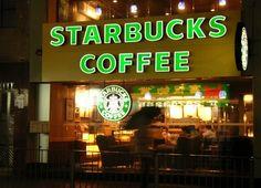 Starbucks abre su primera tienda en Alicante - http://www.absolutalicante.com/starbucks-abre-su-primera-tienda-en-alicante/