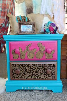 turquoise, hot pink, leopard, and cactus night stand Cute Furniture, Western Furniture, Furniture Makeover, Painted Furniture, Cabin Furniture, Furniture Design, Western Bedroom Decor, Western Rooms, Western Decor