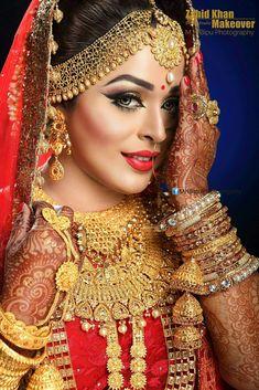 Beautiful Indian Wedding Couple Photography, Indian Wedding Bride, Wedding Girl, Bridal Photography, Wedding Couple Poses, Wedding Ideas, Indian Bridal Photos, Indian Bridal Makeup, Indian Bridal Fashion