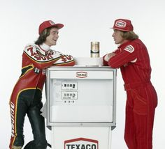 Photo d'actualité : Barry Sheene and James Hunt, British World...