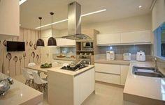 COZINHA COM ILHA NO MEIO : 30 ideias para ter a cozinha perfeita | Wiki Mulher