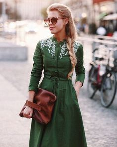 40 Vintage Shirt Dress to Copy Right Now - 40 Vintage Shirt Dress to Copy Right Now Outfit Outfit Source by mamuszandra - Pretty Outfits, Beautiful Outfits, Dress Skirt, Dress Up, Mode Vintage, Vintage Style, Vintage Green, Dress Vintage, Mode Hijab