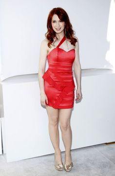 Felicia Day who knew you were such a bombshell! As if i couldnt love you more already.