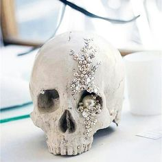 Embellished human skull #diamonds #pearls
