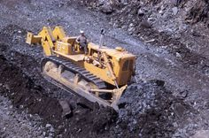 Cat D9G most guys never got to hear one of these before the government banned them...(for you're protection)