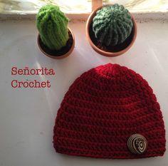 Bonnet adulte avec bouton bois / Gorro adulto con botón de madera Señorita Crochet