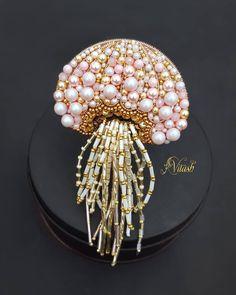 Bead Embroidery Jewelry, Beaded Jewelry Patterns, Beaded Embroidery, Brooches Handmade, Handmade Beads, Handmade Jewelry, Handmade Accessories, Bead Jewellery, Seed Bead Jewelry
