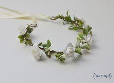 White Flower Crown, Simple Flower Crown, Silk Flower Crown, Cream Flower Crown, White and Green Flower Crown, Greenery, White Roses Crown by blueorchidcreations on Etsy