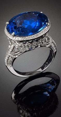 Rosamaria G Frangini   High Deep Blue Jewellery   A burmese sapphire up to 17 carats and brilliant-cut diamonds ring - Veschetti