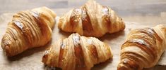 Vynikajúci recept na domáce maslové croissanty. Naozaj fantastické a na druhý deň chutia ešte lepšie. Baked Potato, Potatoes, Baking, Ethnic Recipes, Food, Hampers, Meal, Patisserie, Potato