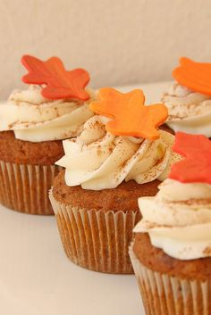 these look so good....wonder if they're carrot cupcakes?