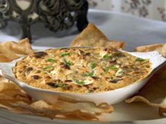 Get this all-star, easy-to-follow Hot Crab Rangoon Dip with Won Ton Chips recipe from Sandra Lee