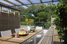 Image 11 of 23 from gallery of Parkveien / KIMA. Photograph by Finn Ståle Feldberg Norway House, Outdoor Rooms, Outdoor Decor, Organic Mulch, Organic Horticulture, Fence Landscaping, Backyard, Patio, Green Lawn