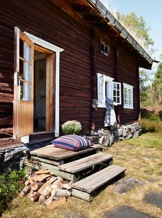 Norwegian timber cottage and I think the Shabby Exterior is so cool and i bet the owner is debt free.