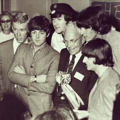 Atlanta Mayor Ivan Allen, Jr giving The Beatles the key to the city in 1965. #wouldagrammed