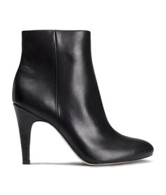 Ankle boots in imitation leather with pointed toes. Covered heels, side zip, and rubber soles. Heel height 4 in. Latest Fashion For Women, Latest Fashion Trends, Fashion Online, Womens Fashion, H&m Shoes, Sock Shoes, Kinds Of Shoes, H&m Online, Ideias Fashion