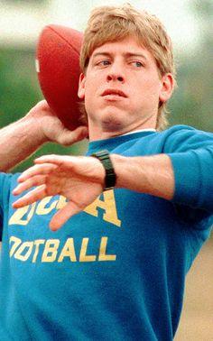 Troy Aikman Dallas Cowboys Quarterback 🌟 & an Alumnus 👨🎓 QB from UCLA College Football, Dallas Cowboys Football, Alabama Football, Super Bowl, Dallas Cowboys Pictures, Troy Aikman, How Bout Them Cowboys, American Sports, Cowboys