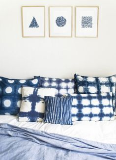 There's a new buzz word in town: SHIBORI. And if you've never heard of Shibori before, its the ancient Japanese art of. Bleu Indigo, Indigo Dye, Vibeke Design, Shibori Tie Dye, Diy Interior, How To Dye Fabric, Home Staging, Home Bedroom, Fabric Design