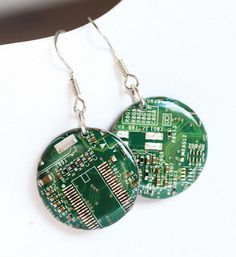 Circuit board earrings - Geeky earrings - recycled computer - round dangle earrings - 23 mm, resin