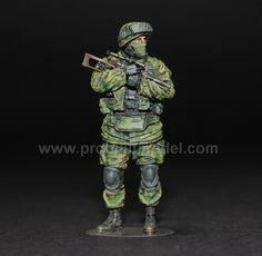Modern Russian Soldiers in Crimea 2014 1/35 Pro Built Model No2