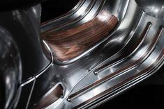 Vespa 300 SS Custom Umbau von Zweirad Gill > Irgendwas mischen sie den Österreichern ins Trinkwasser, daß die so abgehen was Vespa-Umbauten angeht. So hatte sich der österreichische Vespaimporteur eine 300 GTS auf knapp 30 PS mit Malossi-Teilen umbauen lassen. Jetzt legt Zweirad Gill nach mit einer Maßanfertigung einer Vespa GTS 300.