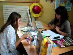 En la agencia de viajes (Laura et Laurie).MOV