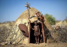 Casa da tribo Muhimba, em Angola.