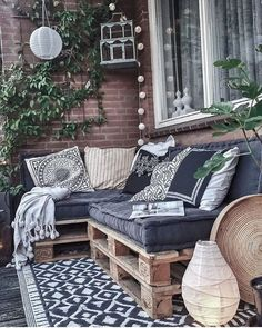 Small Patio & Balcony Decorating Ideas with Tips - Cozy Home 101 Garden Garden apartment Garden ideas Garden small Apartment Balcony Decorating, Apartment Balconies, Apartment Living, Apartment Balcony Garden, Apartment Interior, Living Room, Small Balcony Design, Small Balcony Decor, Outdoor Balcony Furniture