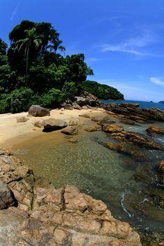 Trilha das sete praias de #Ubatuba, que explora algumas das mais belas praias do litoral norte de São Paulo. #trekking #ecoturismo