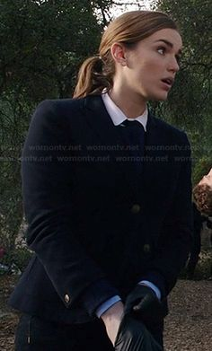 Jemma's navy blazer and peter pan collar shirt on Agents of SHIELD Contrast Collar Shirt, Elizabeth Henstridge, Black Widow Winter Soldier, Librarian Chic, Phil Coulson, Agents Of Shield, Carven, Collar Shirts, Hair Pieces