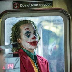 🎥📽️ Joaquin Phoenix As The 🃏 Joker🃏 Joker Film, Joker Dc, Joker And Harley Quinn, Joaquin Phoenix, Comic Movies, Good Movies, Comic Books, Beatles, Joker Makeup
