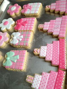 cookies decorated as pretty gifts Cookies For Kids, Fancy Cookies, Sweet Cookies, Iced Cookies, Cute Cookies, Sugar Cookies, Birthday Cake Cookies, Wedding Cake Cookies, Cupcakes