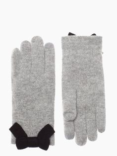 Kate Spade-all the trimmings bow glove!!! Many wow !!berry like much need