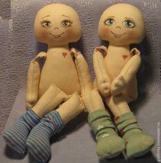 Truques para marcar a cabeça de bonecas de pano antes de pintar olhos nariz e boca:   Encontrei no LINK AQUI                           ...