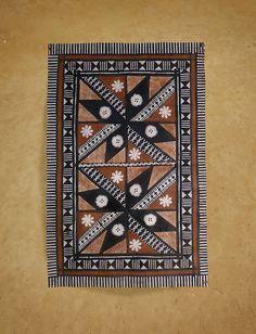 Fijian Masi (Tapa Cloths) - Tapa Cloths from The Pacific and Artwork Modern Indian Art, Indian Folk Art, Polynesian Designs, Polynesian Culture, Fijian Tattoo, Tapas, Rajasthani Art, Diy Wall Painting, Geometric Drawing