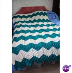 "Hand Made Vintage 1970 1980 Turquoise White Knitted Bed Cover Throw 82 "" X 49"