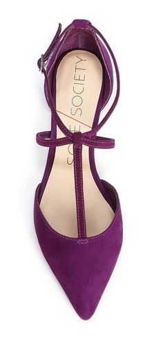 Women's Fashion High Heels : Stunning Shoes. Would combine well with anything really. Pretty Shoes, Beautiful Shoes, Cute Shoes, Women's Shoes, Me Too Shoes, Shoe Boots, Flat Shoes, Prom Shoes, Shoes Style