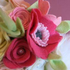Felt wedding bouquet, felt flowers, springwedding | www.be-flowerd.nl