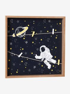 I➨Add some personality to your little one's room with Vertbaudet's range of kids' wall décor including stickers, dreamcatchers and canvas prints. Kids Wall Decor, Unique Wall Decor, Baby Room Decor, Decorative Storage, Decoration, Constellations, Wall Stickers, Little Ones, Astronomy