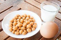 Invista nos alimentos corretos para definir os músculos alimentos e treino_stockfresh