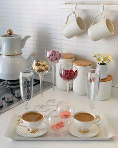 Breakfast Table Setting, Breakfast Platter, Breakfast Lunch Dinner, Cool Kitchen Gadgets, Cool Kitchens, Cute Breakfast Ideas, Dinner Party Table, Cute Room Decor, Tea Tray