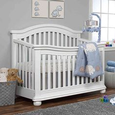 Infuse your nursery with the traditional styling of the Sorelle Vista Elite Convertible Crib. With fluting details, arched-style headboard, and subtly sloping footboard with beveled corners, this elegant crib converts to a full-size bed.