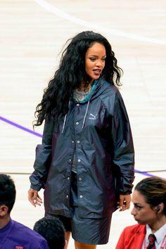 Rihanna street style candids 2014 x longanna long black curly hair